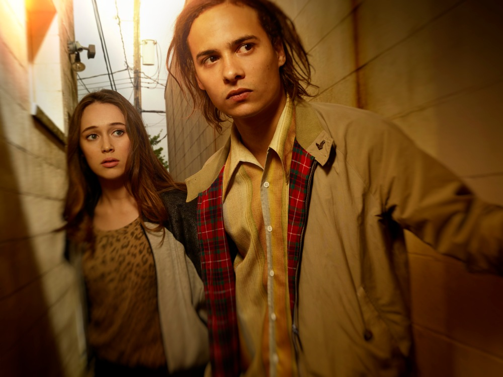 Alycia Debnam Carey as Alicia and Frank Dillane as Nick.