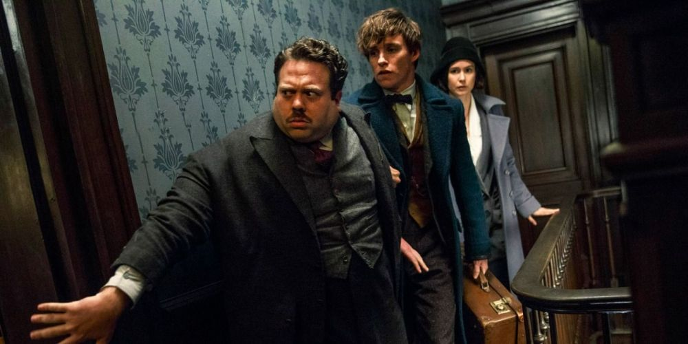 Dan Fogler as Jacob Kowalski, Eddie Redmayne as Newt Scamander and Katherine Waterston as Tina.